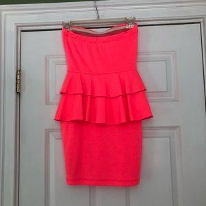2B Bebe Dresses - Hot pink strapless 2b Bebe dress